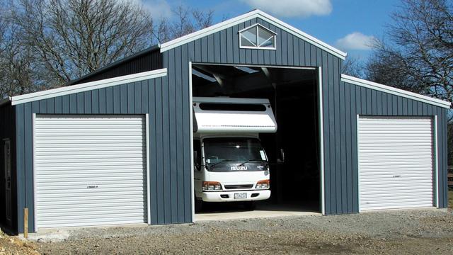 American Barn - 3 roller doors