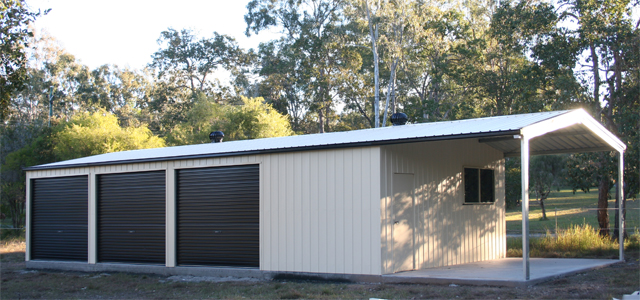 Triple Door Garage with Garaport
